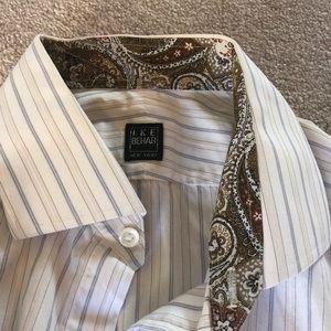 NWOT contrast collar and sleeves Ike Behar shirt